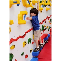 Everlast Adaptive Traverse Wall® - 8' x 12' Wall Climbing Package with Cordless Mat Locking System